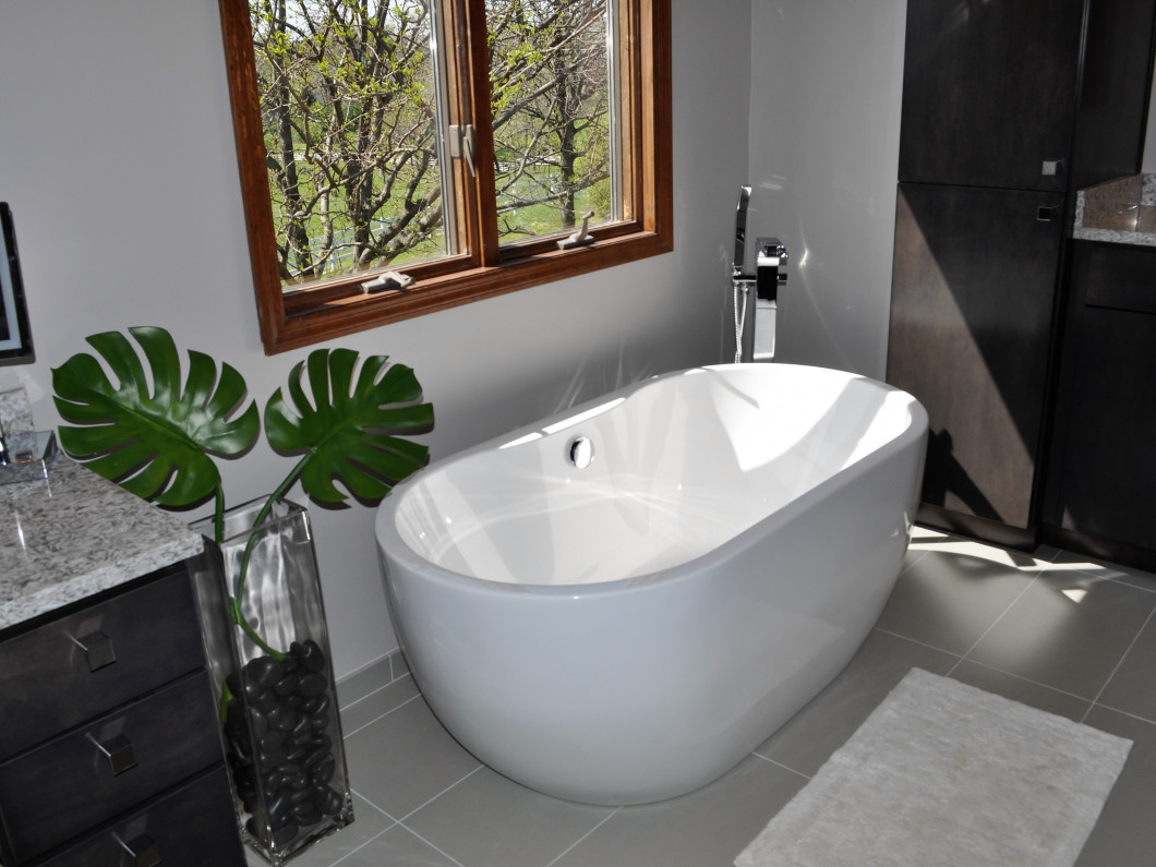 3 ways to renovate your master bathroom